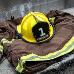 Un bombero muere en Oviedo por el derrumbe de un edificio en el que trataban de sofocar un incendio