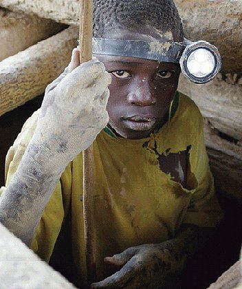 extracción coltan africa