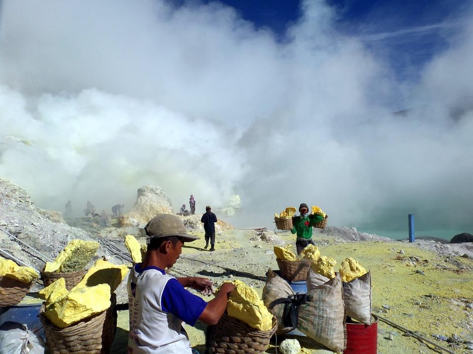 minas azufre Indonesia
