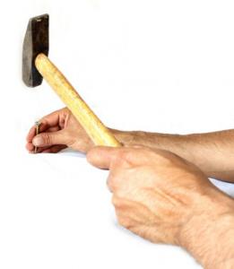Golpes cortes con herramientas
